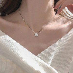 NEW 925 Sterling Silver Diamond Snowflake Necklace